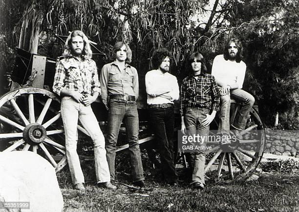 Photo of EAGLES LR Don Felder Joe Walsh Don Henley Randy Meisner and Glenn Frey posed group shot