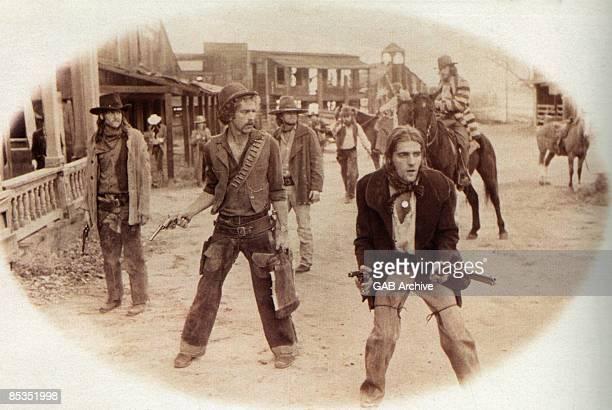 Photo of EAGLES LR Glenn Frey Bernie Leadon Don Henley and Randy Meisner group shot posed