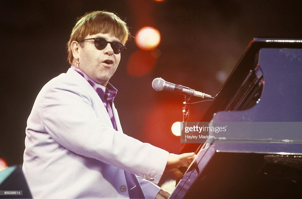 STADIUM Photo of Elton JOHN, performing live onstage