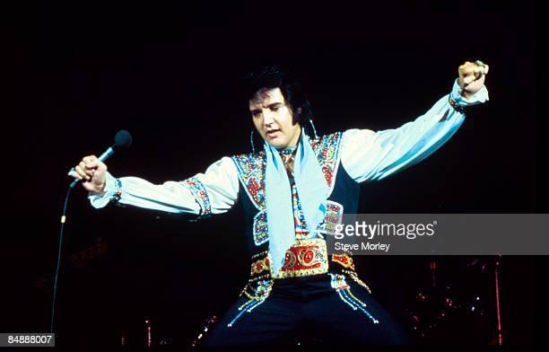 COLISEUM Photo of Elvis PRESLEY performing live onstage