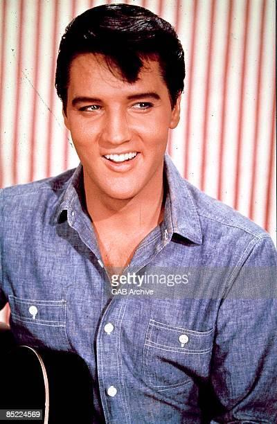USA Photo of Elvis PRESLEY posed studio cmid 1960s