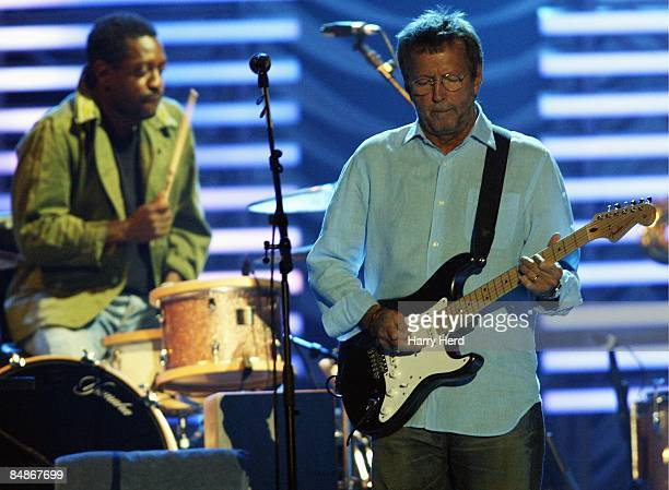 ARENA Photo of ERIC CLAPTON38 ERIC CLAPTON WITH DRUMMER STEVE JORDAN IN CONCERT AT HALLAM SHEFFIELD ARENA ON 12TH OF MAY 2006 56 ATLANTIC PARK VIEW...
