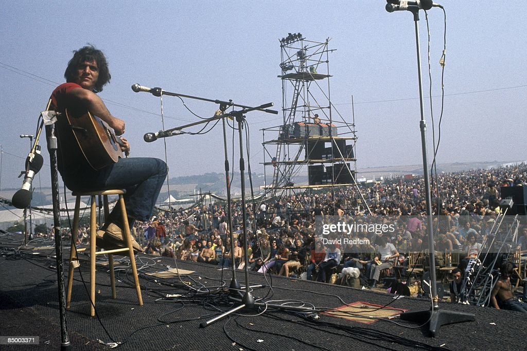 FESTIVAL Photo of FESTIVALS and Ralph McTELL and ISLE OF WIGHT FESTIVAL Ralph McTell onstage