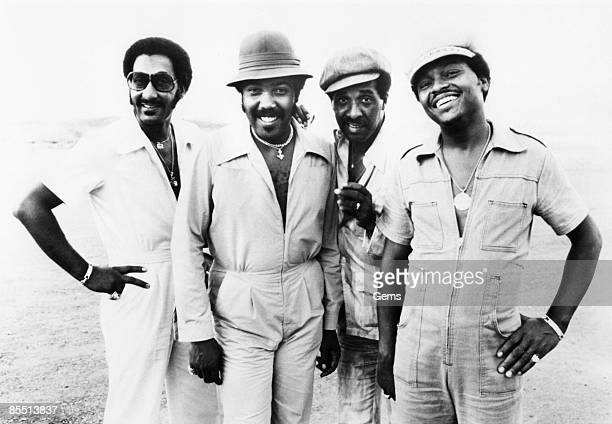 Photo of FOUR TOPS and Lawrence PAYTON and Renaldo BENSON and Levi STUBBS and Abdul FAKIR Posed group shot L R Abdul 'Duke' Fakir Lawrence Payton...