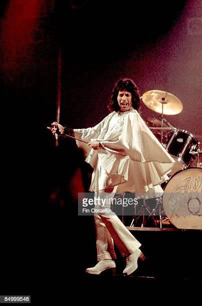 Photo of Freddie MERCURY and QUEEN Freddie Mercury performing live on stage