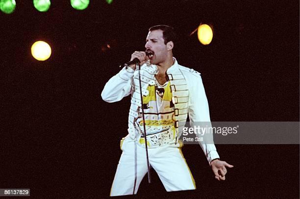 KNEBWORTH Photo of Freddie MERCURY and QUEEN Freddie Mercury performing live on stage