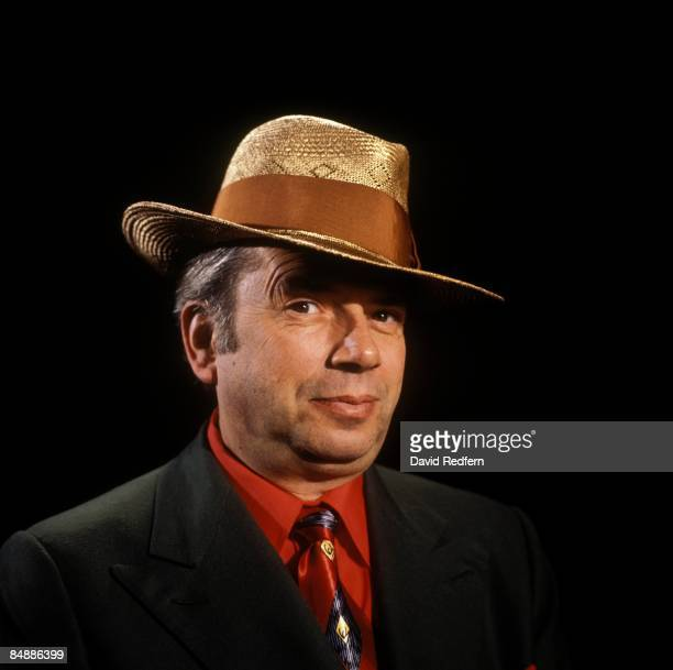 STUDIO Photo of George MELLY
