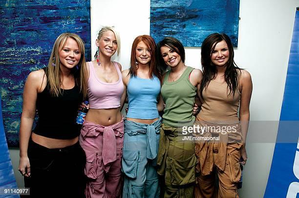 Photo of GIRLS ALOUD LR Kimberley Walsh Sarah Harding Nicola Roberts Cheryl Cole Nadine Coyle posed group shot Pepsi Silver Clef Awards