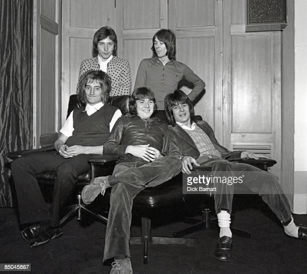 Photo of Ian McLAGAN and Kenney JONES and Rod STEWART and Ron WOOD and Ronnie LANE and Ronnie WOOD and FACES LR Kenney Jones Ian McLagan Rod Stewart...