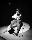 Photo of Itzhak Perlman Photo by Michael Ochs Archives/Getty Images