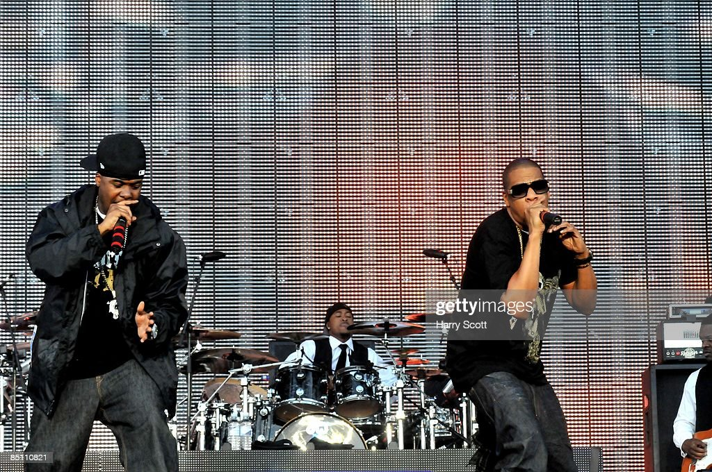 BOWL Photo of JAY-Z and JAY Z and MEMPHIS BLEEK, Memphis Bleek (L) and Jay Z performing on stage