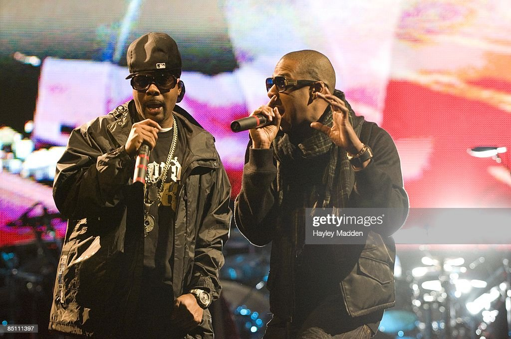 FESTIVAL Photo of JAY-Z and JAY Z and MEMPHIS BLEEK, Memphis Bleek and Jay Z performing on the Pyramid Stage
