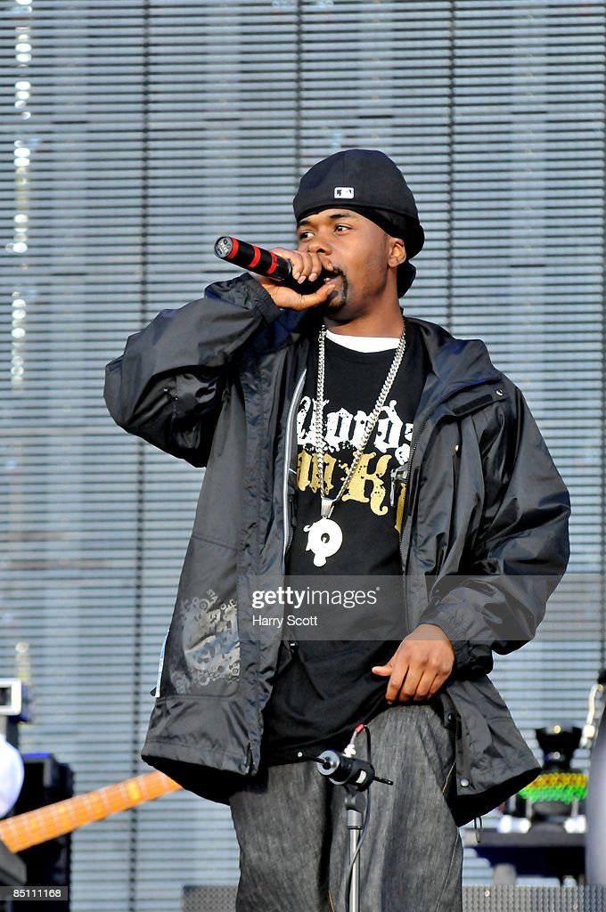 BOWL Photo of JAY-Z and MEMPHIS BLEEK, Memphis Bleek performing on stage
