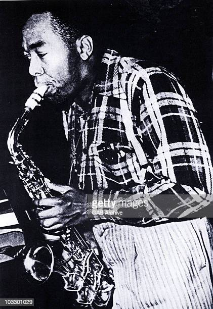 Photo of jazz saxophonist Charlie Parker performing live