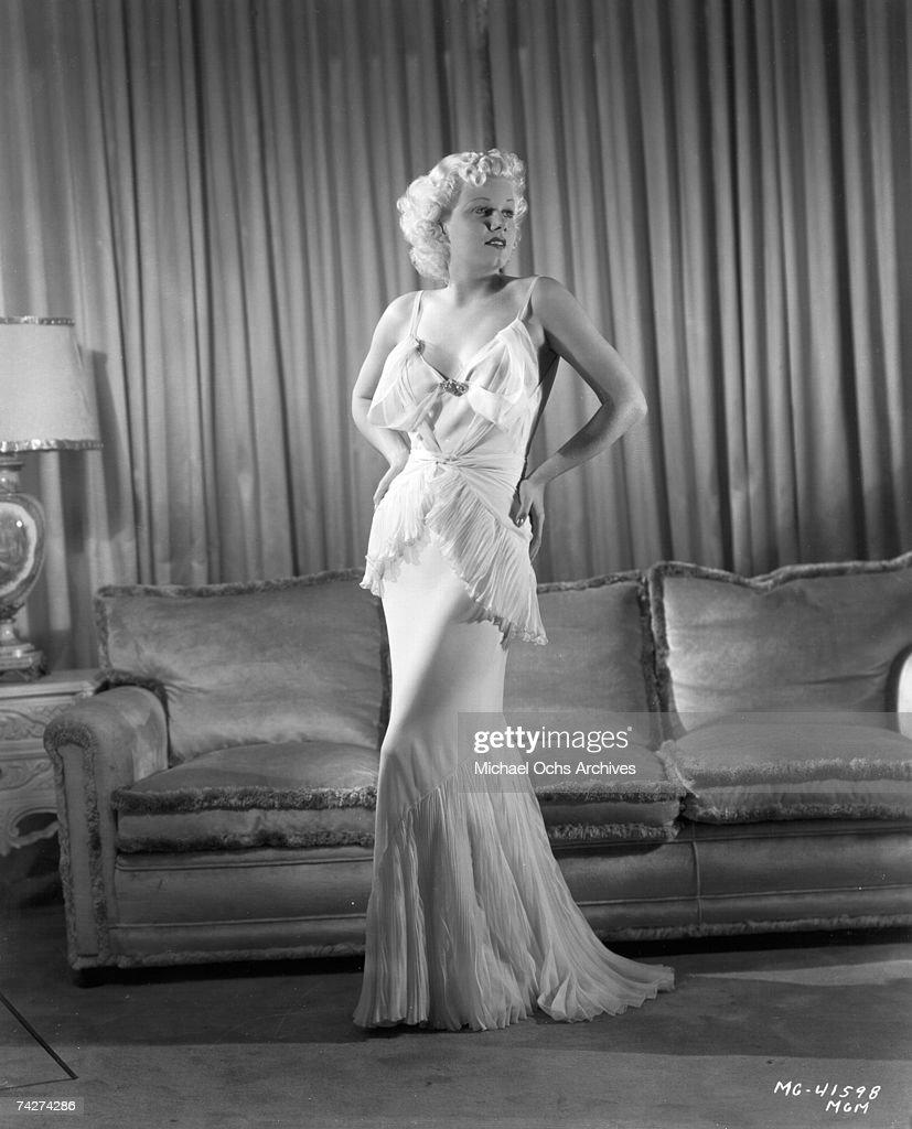 Photo of <a gi-track='captionPersonalityLinkClicked' href=/galleries/search?phrase=Jean+Harlow&family=editorial&specificpeople=70012 ng-click='$event.stopPropagation()'>Jean Harlow</a> Photo by Michael Ochs Archives/Getty Images
