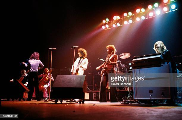 Photo of Jeff LYNNE and ELECTRIC LIGHT ORCHESTRA and Hugh MCDOWELL and Kelly GROUCUTT LR Hugh McDowell Jeff Lynne kelly Groucutt Bev Bevan Richard...