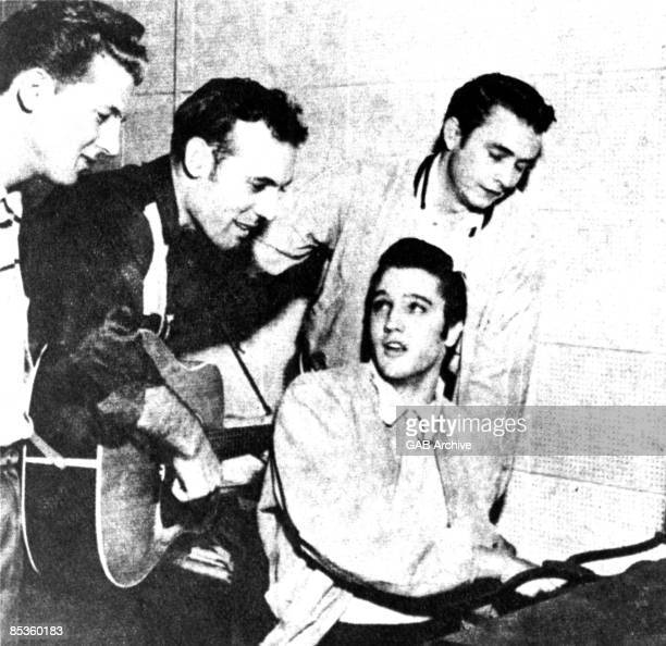 Photo of Jerry Lee LEWIS and Elvis PRESLEY and Johnny CASH and Carl PERKINS LR Jerry Lee Lewis Carl Perkins Elvis Presley Johnny Cash The Million...