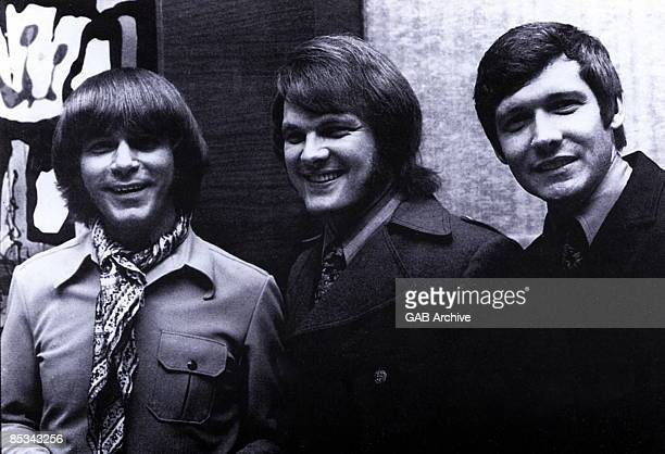 Photo of Joe SOUTH and Tommy ROE and Billy Joe ROYAL LR Joe South Tommy Roe Billy Joe Royal posed