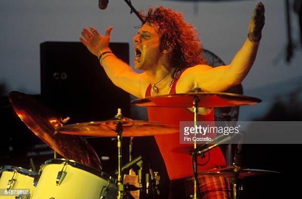 STADIUM Photo of Joey KRAMER and AEROSMITH Joey Kramer performing live onstage