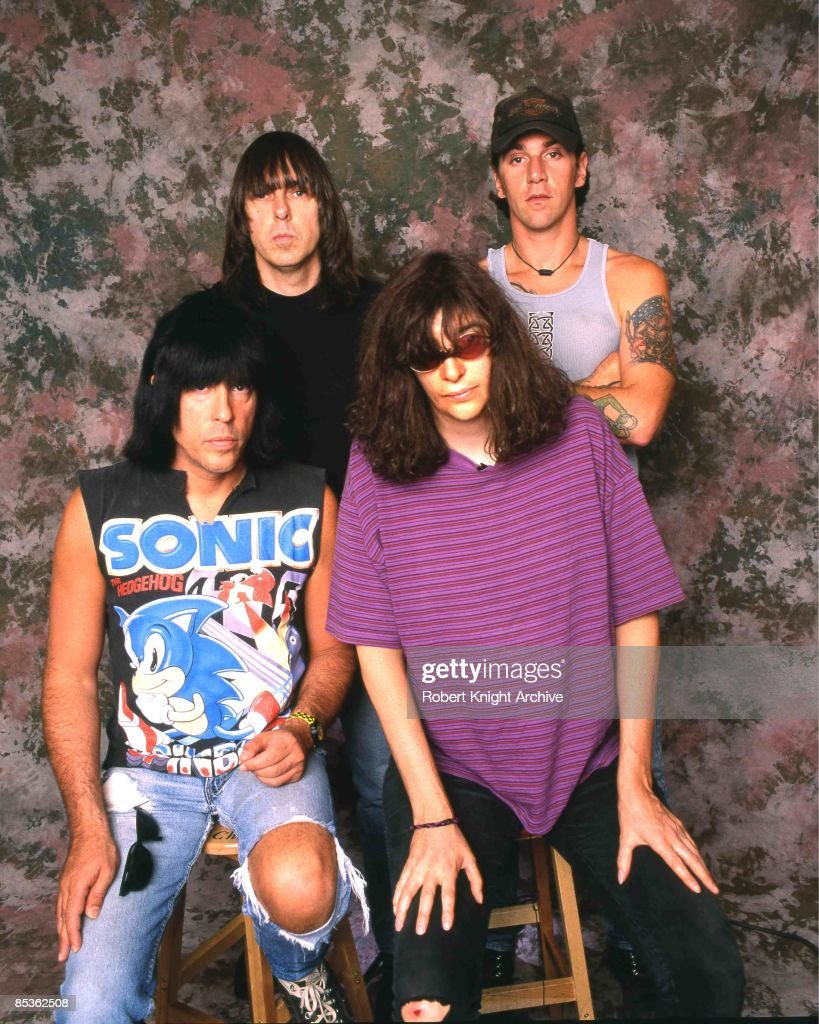 Photo of Joey RAMONE and RAMONES and C.J. RAMONE and Johnny RAMONE; Back row: Johnny Ramone (left), C.J. Ramone (right). Front: Marky Ramone (left), Joey Ramone