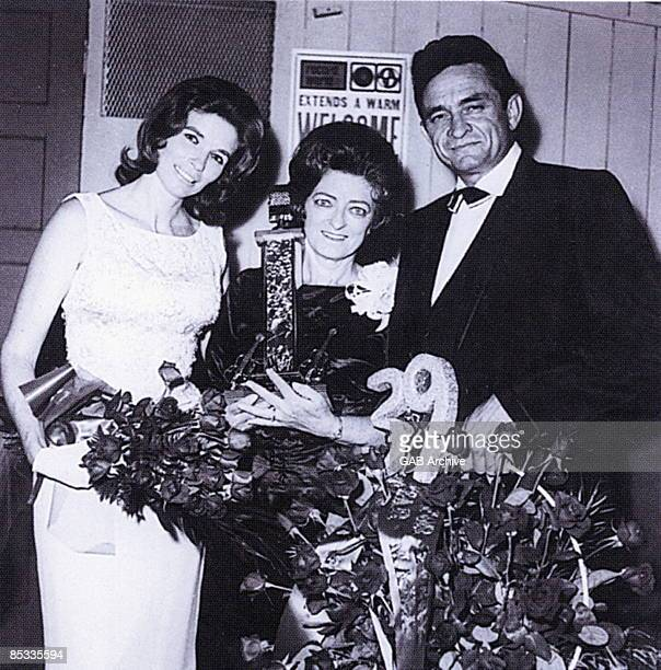 Photo of Johnny CASH and June CARTER and Mother Maybelle CARTER LR June Carter Cash Maybelle Carter and Johnny Cash