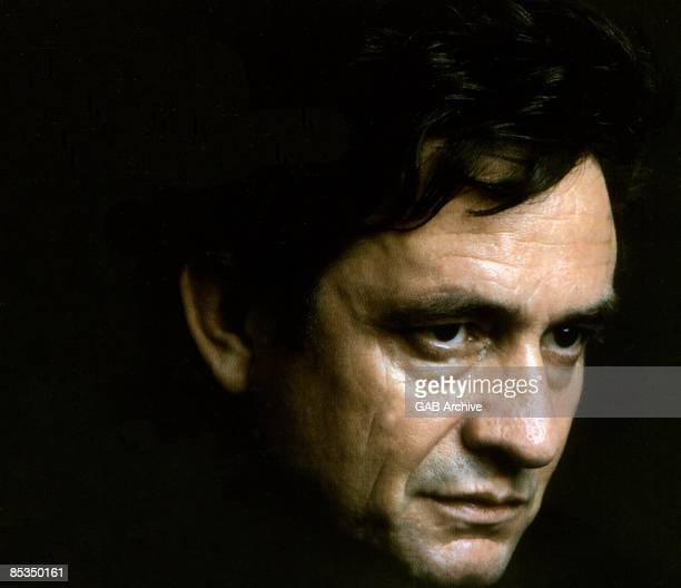 Photo of Johnny CASH posed