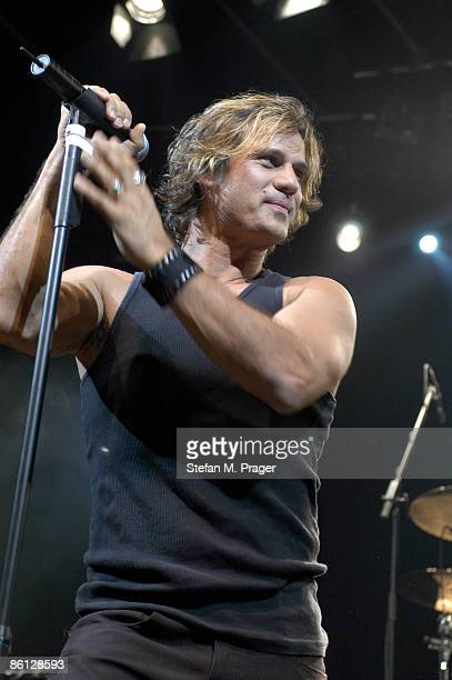 Photo of Jon STEVENS and INXS Jon Stevens
