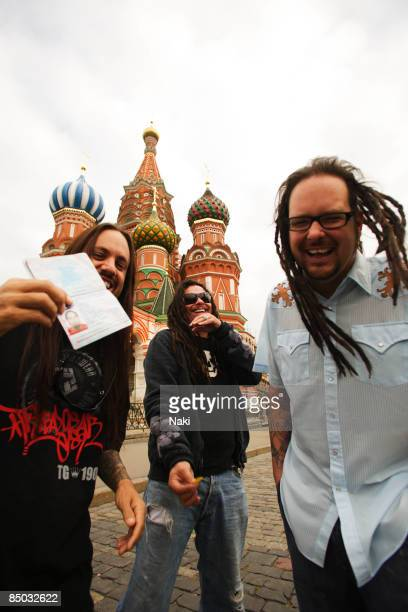 Photo of Jonathan DAVIS and MUNKY and FIELDY and KORN LR Fieldy Munky Jonathan Davis photographed in Red Square