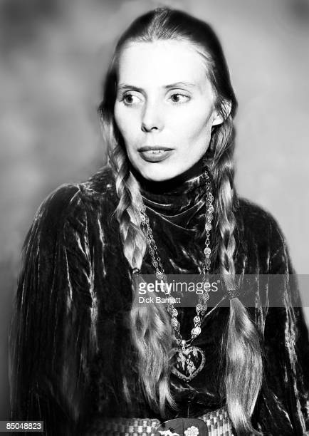 Photo of Joni MITCHELL