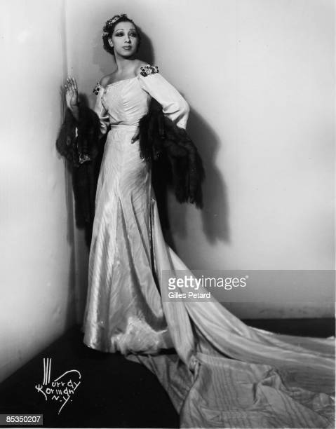 Photo of Josephine BAKER Posed studio full length portrait of Josephine Baker