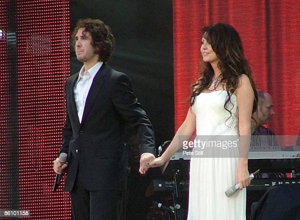 STADIUM Photo of Josh GROBAN and Sarah BRIGHTMAN Josh Groban and Sarah Brightman performing on stage at the Concert for Diana
