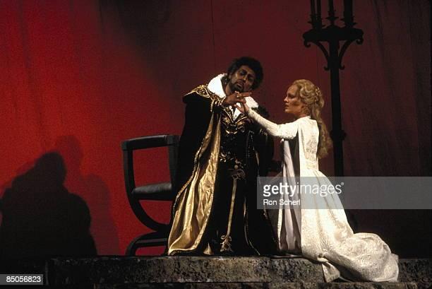 HOUSE Photo of Katia RICCIARELLI and Placido DOMINGO and OTELLO Katia Ricciarelli as Desdemona Placido Domingo as Otello