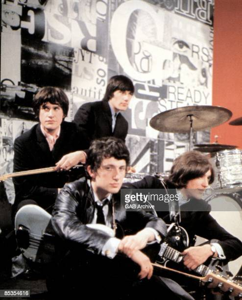 READY STEADY GO Photo of KINKS and Ray DAVIES and Dave DAVIES and Pete QUAIFE and Mick AVORY Clockwise from left Ray Davies Mick Avory Dave Davies...