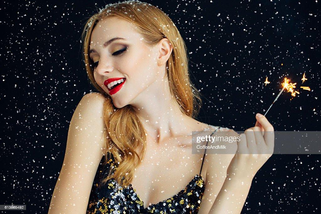Foto von Lachen Mädchen verzierten Schnee : Stock-Foto