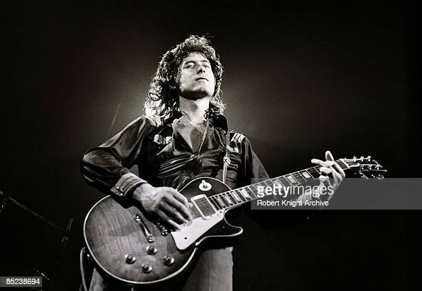 Photo of LED ZEPPELIN Jimmy Page performing live onstage playing Gibson Les Paul guitar