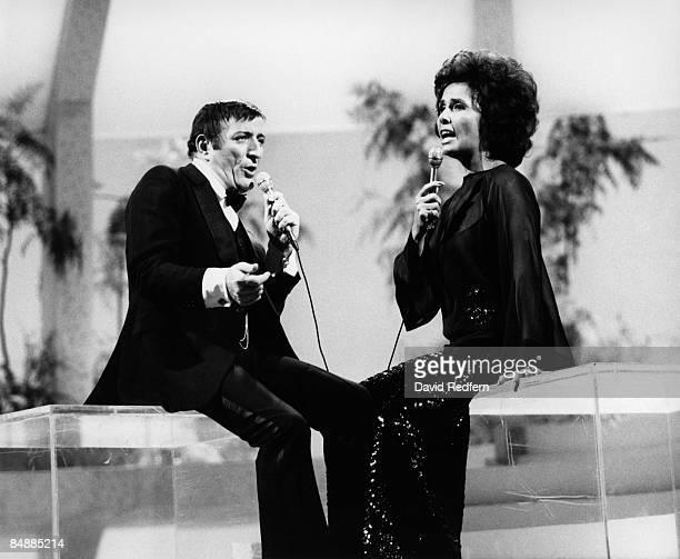 CENTRE Photo of Lena HORNE and Tony BENNETT LR Tony Bennett Lena Horne