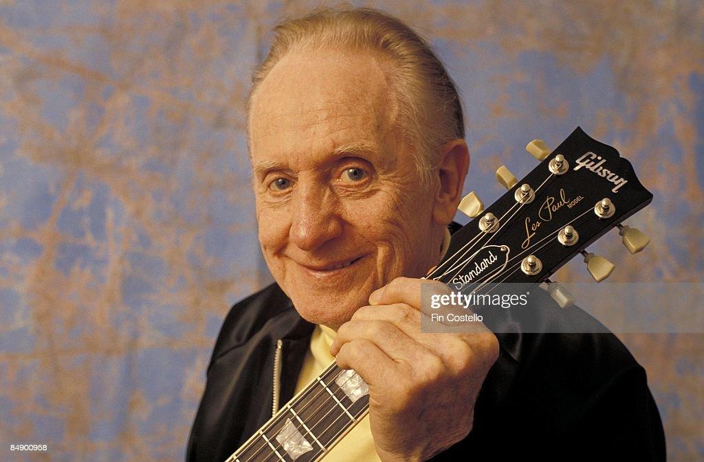 Photo of Les PAUL; posed at Guitar Legends