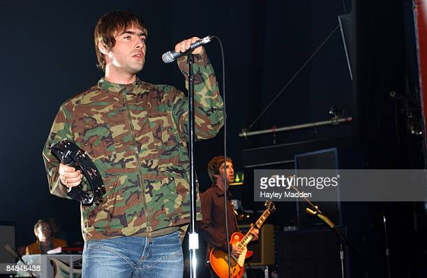 S BUSH EMPIRE Photo of Liam GALLAGHER and OASIS Liam Gallagher and Noel Gallagher performing live onstage