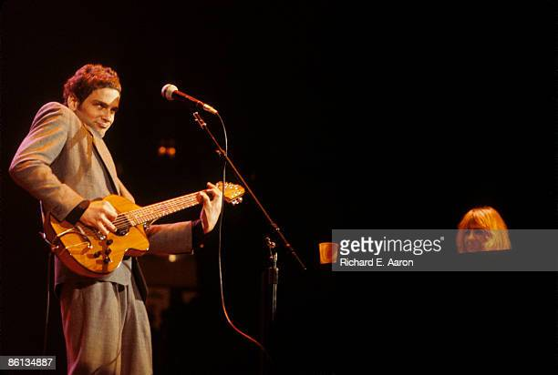 Photo of Lindsey BUCKINGHAM and FLEETWOOD MAC LR Lindsey Buckingham Christine McVie performing live onstage