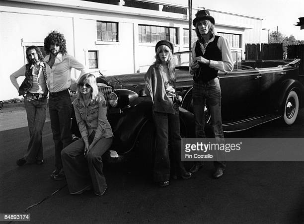 HAVEN Photo of Lindsey BUCKINGHAM and Stevie NICKS and Mick FLEETWOOD and FLEETWOOD MAC LR John McVie Lindsey Buckingham Christine McVie Stevie Nicks...