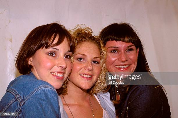 Photo of Lucy PARGETER and PAPER DOLLS Lucy Pargeter far right