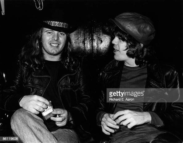NATHANS Photo of LYNYRD SKYNYRD and Ronnie VAN ZANT and NEW YORK DOLLS and David JOHANSEN LR Ronnie Van Zant David Johansen at a party for Lynyrd...