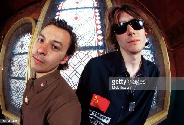 Photo of MANIC STREET PREACHERS James Dean Bradfield and Nicky Wire posed
