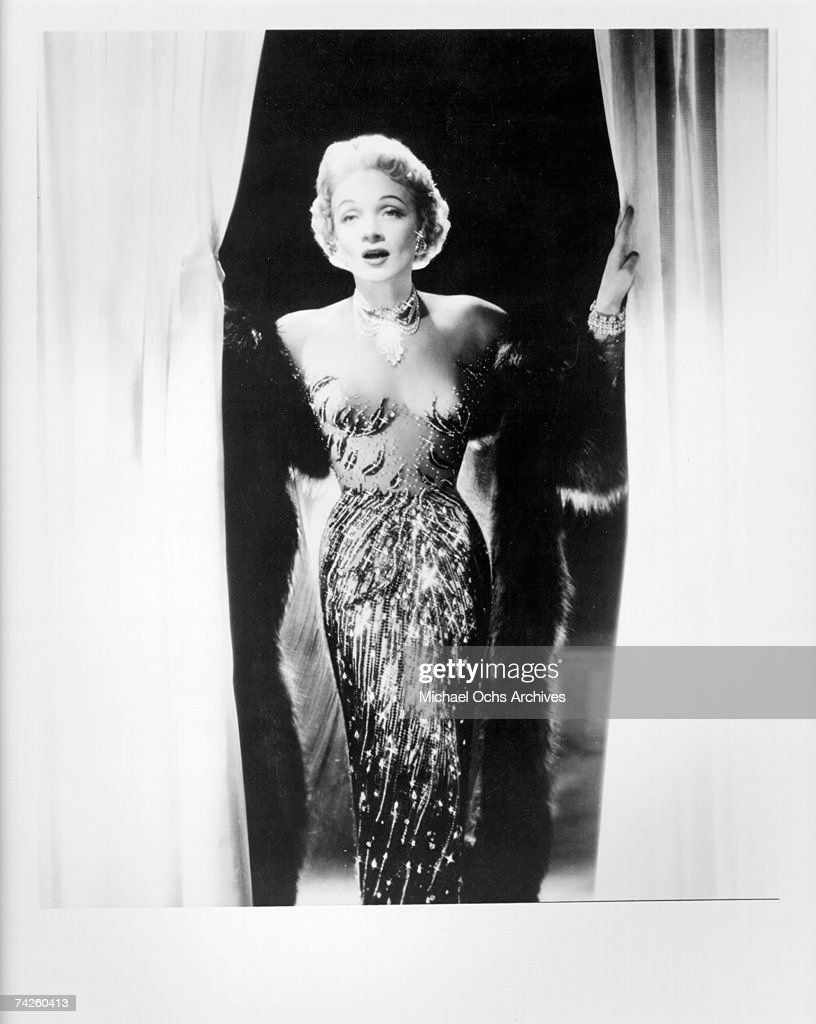 Photo of <a gi-track='captionPersonalityLinkClicked' href=/galleries/search?phrase=Marlene+Dietrich&family=editorial&specificpeople=70018 ng-click='$event.stopPropagation()'>Marlene Dietrich</a> Photo by Michael Ochs Archives/Getty Images