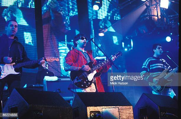 Photo of Martin CAMPBELL and Ian BROUDIE and LIGHTNING SEEDS LR Ian Broudie Martin Campbell