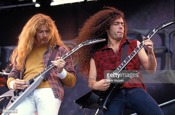 Photo of Marty FRIEDMAN and Dave MUSTAINE and MEGADETH LR Dave Mustaine Marty Friedman performing live on stage
