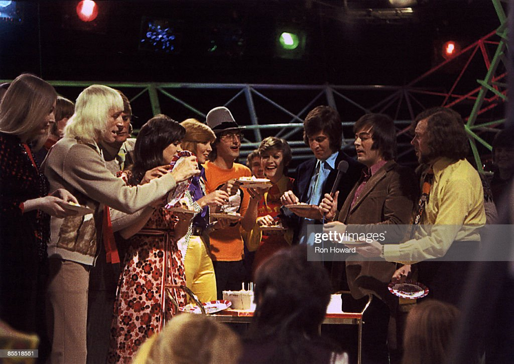POPS Photo of Mary HOPKIN and Jimmy Savile and Pete MURRAY and Jonathan KING and Ed STEWART and Tony BLACKBURN, Mary Hopkin, Jimmy Savile, Pete Murray, Jonathan King, Ed Stewart and Tony Blackburn on set of the tv show, cake