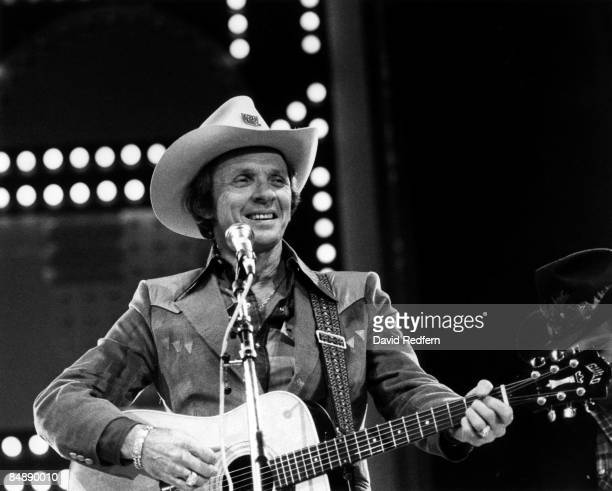 Photo of Mel TILLIS performing live on stage
