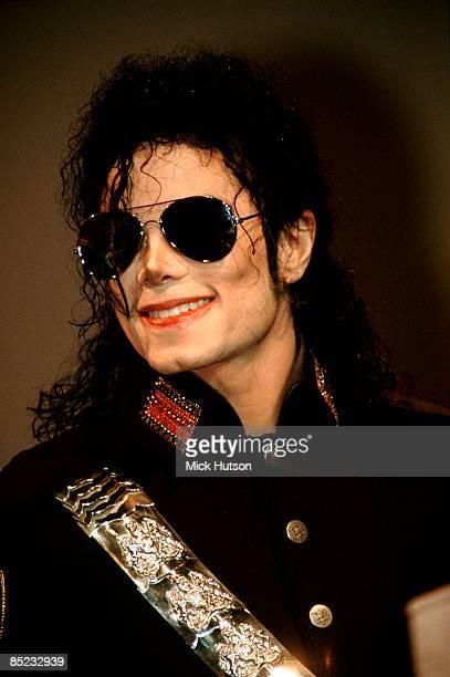 Photo of Michael JACKSON Portrait of Michael Jackson promoting Dangerous Tour wearing sunglasses