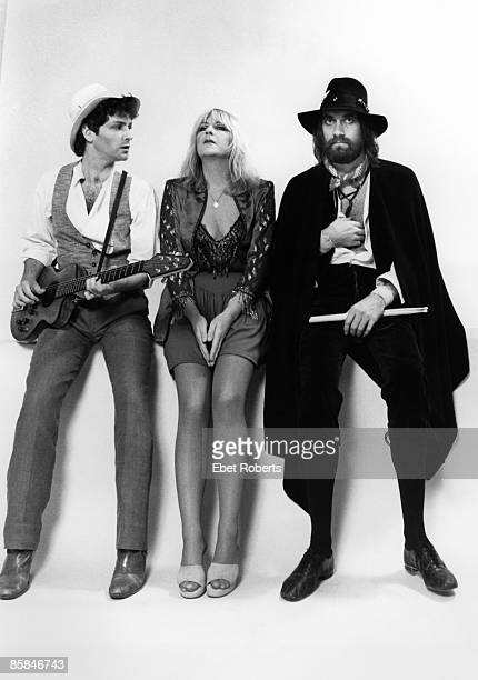 Photo of Mick FLEETWOOD and Christine McVIE and Lindsey BUCKINGHAM and FLEETWOOD MAC LR Lindsey Buckingham Christine McVie Mick Fleetwood posed...